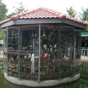 landmine-museum-display